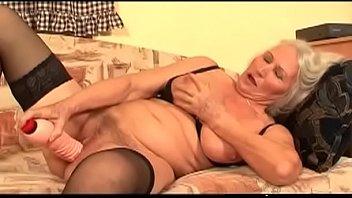 Смотреть порно онлайн лесби стрампон