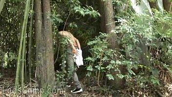 Парня ебут в лесу геи