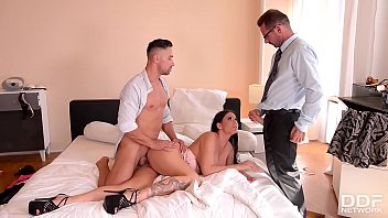 Hot stunner Simony Diamond gets fucked in pussy and ass by detectives