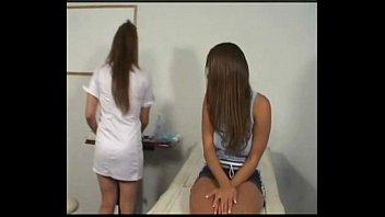 Гинекологический осмотр видео девочек