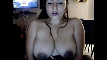 Slutty girlfriend chatting sex topless behind her boyd