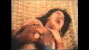 ดูแล้วขำจนหำหดฉากหนังเก่าแนวข่มขืน ขืนใจสาวใหญ่อวบ นมใหญ่ๆ – 2 Min