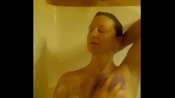 shower tits
