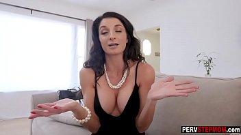 Blackmailing horny stepson felt a stepmoms mature pussy