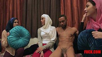 MUSLIM GIRLS IN HIJAB FUCK BBC