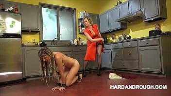 Видео очень длинные соски у женщины