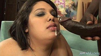 sexo gratis de Fat ass bbw lorelai givemore takes black dick.