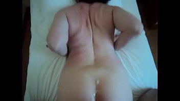 Порно с мамой и упругой попкой