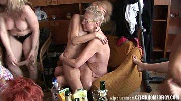 Домашние вечеринки зрелых женщин