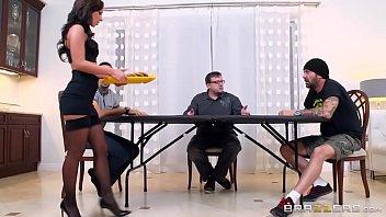 Тещи красавицы трахаються со своими зятьями порно видео