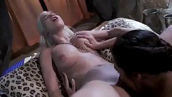 Khaleesi seduced by the maid - Game of Thrones parody