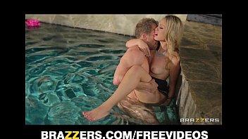 Charlee Monroe,Harlee,Monroe  are playing hard at the pool