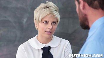 Porno блондинка с короткими волосами