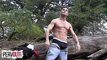 Мужской секс в лесу геи