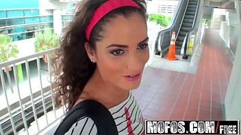 Mofos - Latina Sex Tapes - Studying for the Cocksucking Exam starring  Chichi Medina