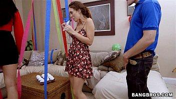 Просмотр беесплатно видео как сын трахает мать