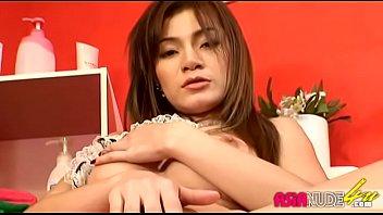 Vanessa-Tsang DV0403b