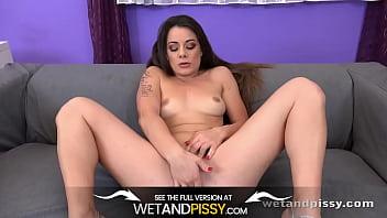 Wetandpissy - Closeup XXL pussy