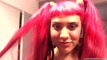 Эмо с красными волосами порно язык