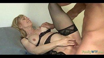 Порно видео инцест мать с сыном и дочкой