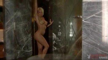 Блондинки голые с большой грудью