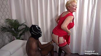 Blonde MILF Kia Winston anal