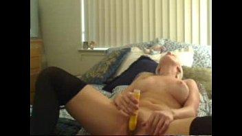 Порно видео в чулках с симпатичными мамами