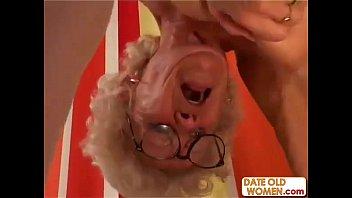 Старая трлстая русская бабка ебётся с внуком
