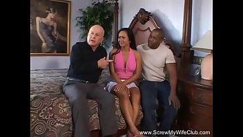 Видео муж ебет жену негретянку