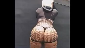 I want my ass like hers