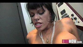 pussy munching emo babes 011