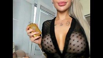2badforyou bimbo with big fake lips suck toy fuckdoll big boobs