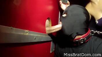 Начальник трахает подчиненного по принуждению гей порно