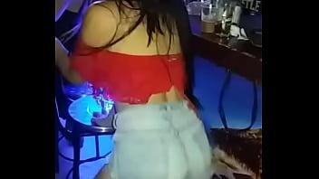 Mi amiga me baila sexy
