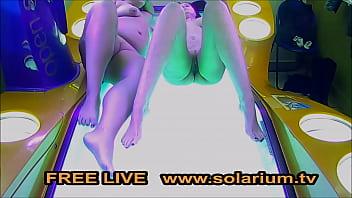 Solarium Cam 2 Geile Frauen Masturbieren Live im &Ouml_fentlichen Live www.solarium.tv