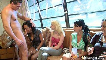 Порно видео как девушки мастурбируют и кончают