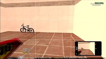 Mostrando a moto fudida