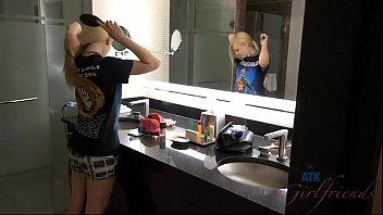 Innocent teen gets fucked in Las Vegas hotel (Lily Rader)