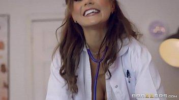 Порно азиаточки медсестра онлайн браззерс