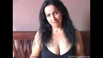 Очень фигуристая сбольшой попой порно дама фото