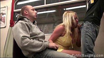 Γαμήσι στο τραίνο
