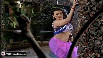 Saima khan hot pakistani actress boobs