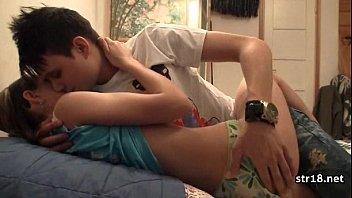 Порно извращения со спящей женщиной