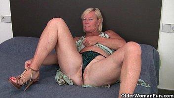 Sexy big tits bodybuilder