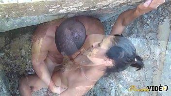 Jeune Beurette soumise se fait baiser en exterieur