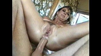 Sexe anal en talons hauts