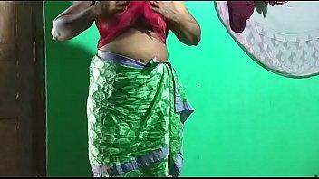 desi  indian horny tamil telugu kannada malayalam hindi vanitha showing big boobs and shaved pussy  press hard boobs press nip rubbing pussy masturbation using green masturbate indian