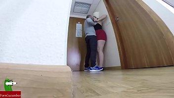 câmera do espião escondido em um quarto de hotel registra um casal praticando sexo GUI110