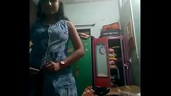 Лесбиянки видео сестра соблазнила сестру