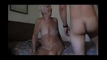 دونا سينتي دي ماكي اخترقت هنتر من الجدات